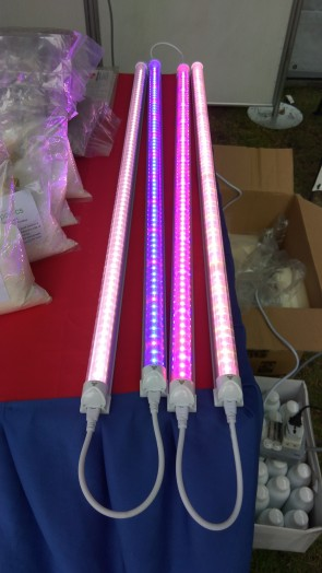 My Urban Growers Indoor LED grow light (Blue/Red/White/'White' with light diffuse technology)